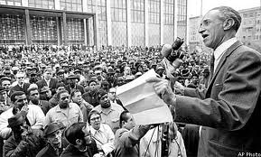 pnwfolklore.org Harry Bridges addresses a labor rally in San Francisco, 1965